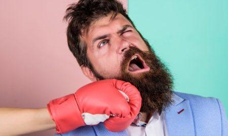 Vyvinula sa brada mužom, aby absorbovala nárazy do čeľuste?